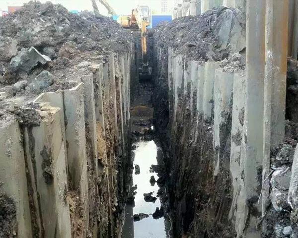 天门污水管网改造拉森钢板桩施工