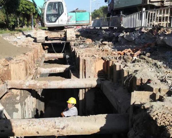 仙桃污水管网改造钢板桩施工